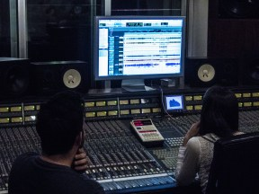 Mixing tracks, Abdala Recording Studios
