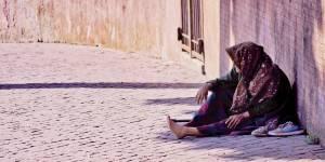 La Responsabilidad y el deber de Ayudar a los Necesitados