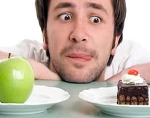 Imagen Caballero indeciso entre lo saludable y lo no recomendable para su semen