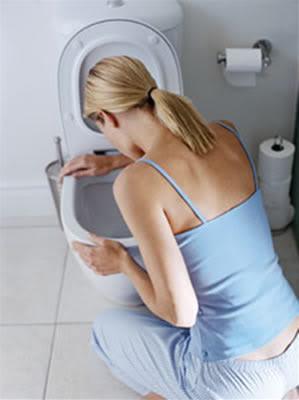 imagen embarazada con náuseas