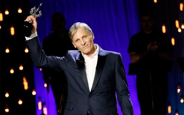San Sebastián: Viggo Mortensen recibe premio por toda su carrera