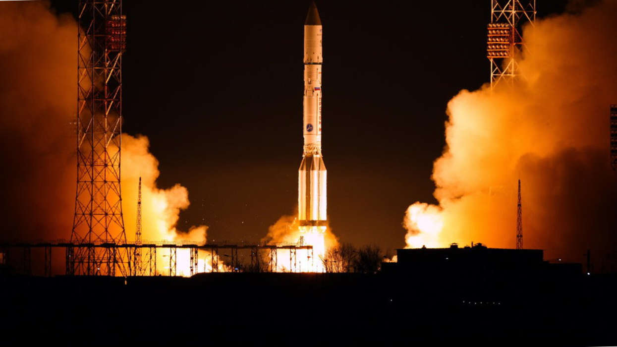 EDRS-A satellite, with IberEspacio thermal hardware for Optical Laser Communications, launch by a Proton roket