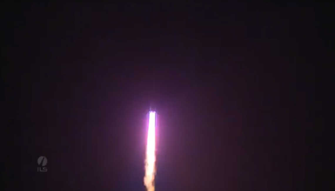 EDRS-A satellite, with IberEspacio thermal hardware for Optical Laser Communications, launch by a Proton roket wich is crossing the night sky