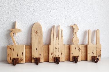 Colgador de madera BARCELONA