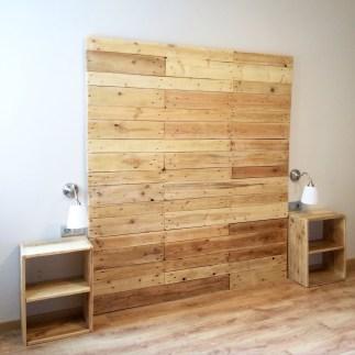 Cabecero de madera reciclada