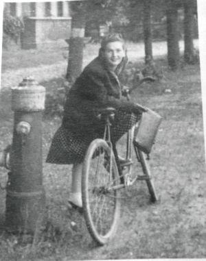 Krystyna Wróbel. Druga połowa lat 40. Źródło: T. Centkowska