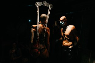 enrica-coltello-bdsm-bar-suspension-ibiza-web-41