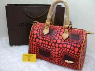   LOUIS VUITTON Speddy Size M free dus bag @250