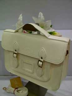 WX0 Cambridge Satchel 1211 White SemSup 30x9x22