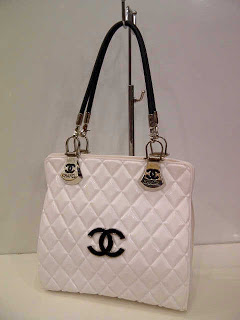 chanel-jelly-270rb-27x11x26-putih