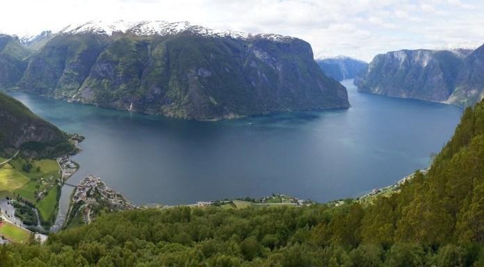 foto fiordos noruegos