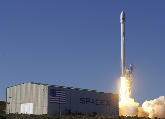 LANZAMIENTO SPACEX