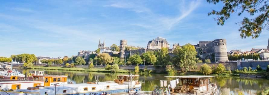 https://i2.wp.com/iboo-cloud.fr/wp-content/uploads/2020/07/gabarre-angers-loire-tourisme-agence-les-conteurs_1.jpg?w=891