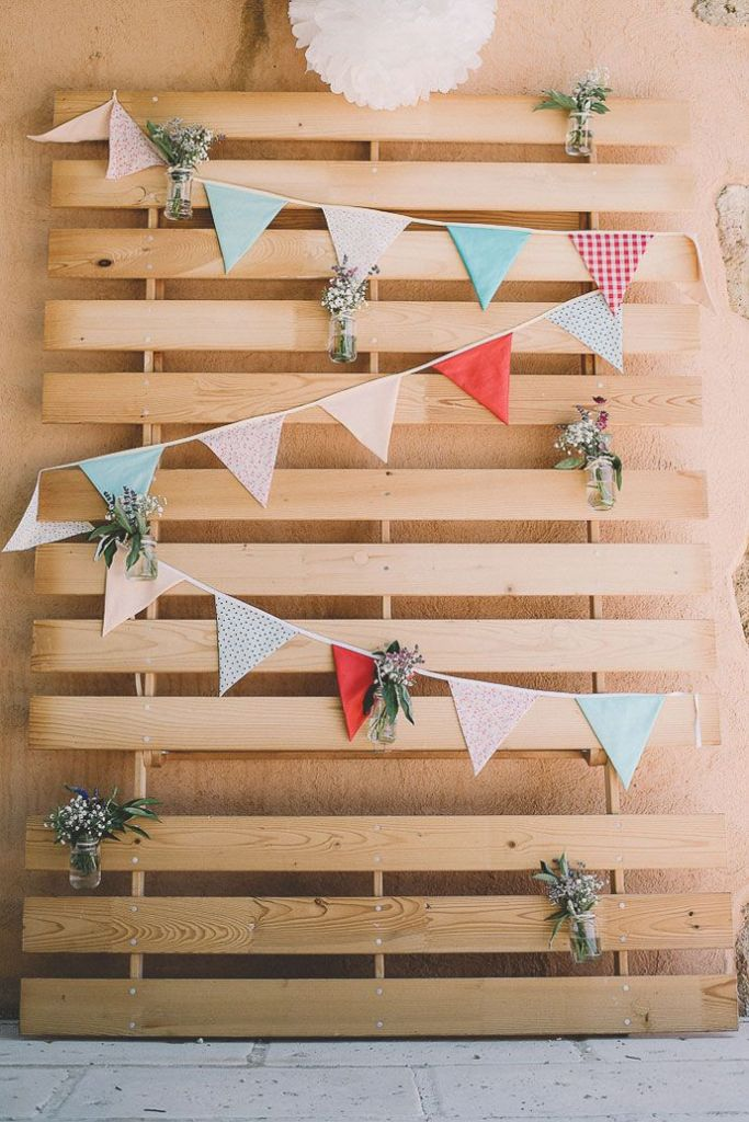 decorated recycled wooden pallets