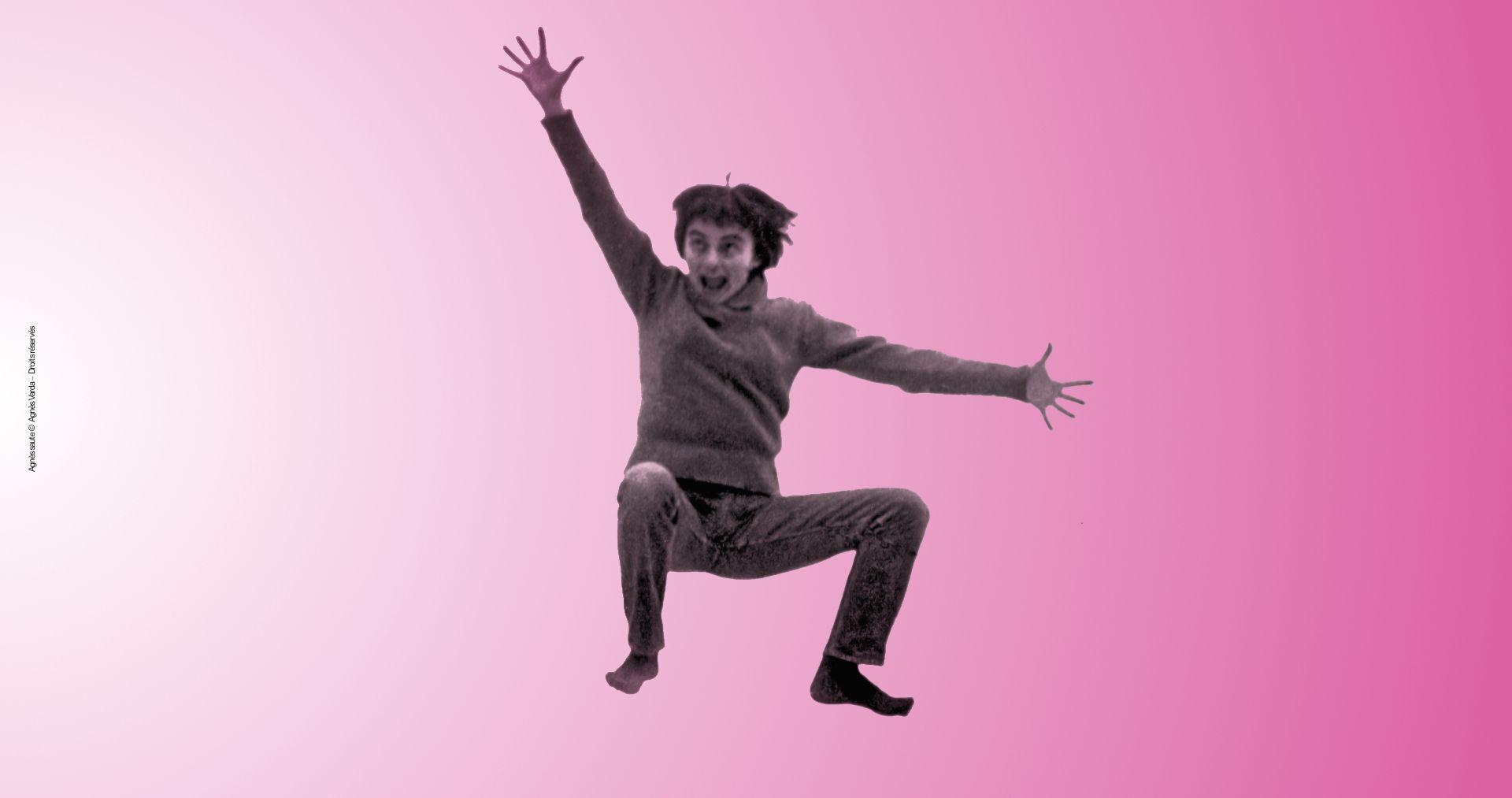 Agnès Varda saute - Agnès Varda tous droits réservés