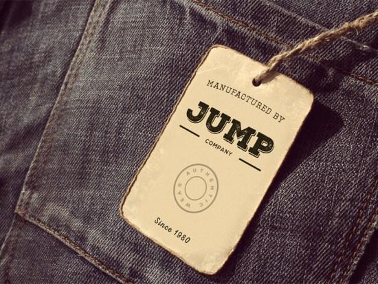 Maqueta de etiqueta de ropa de Graphic Pocket