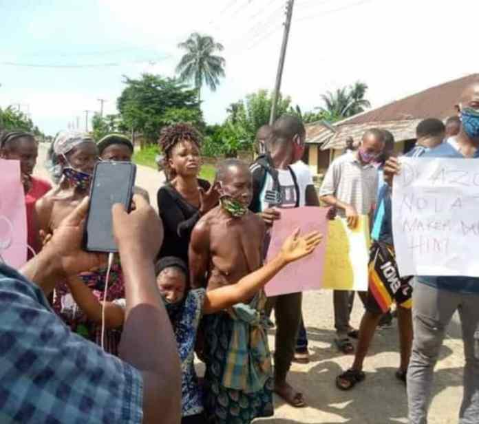 Ogoni women goes nude over detention of demolished hotel manager