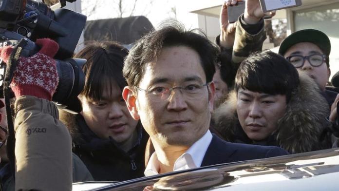 South Korea seeks arrest of Samsung heir in succession probe