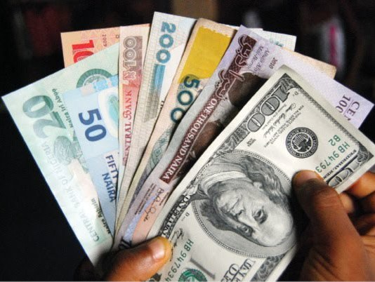 Naira sustains fall at parallel market, now N568 to $1
