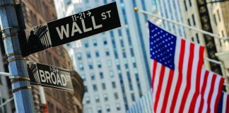 U.S. moves to kick Chinese firms off Wall Street come near