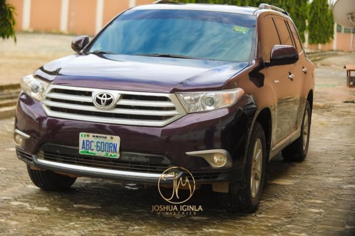 Gospel Singer, Yinka Alaseyori Gets Car Gift From Prophet