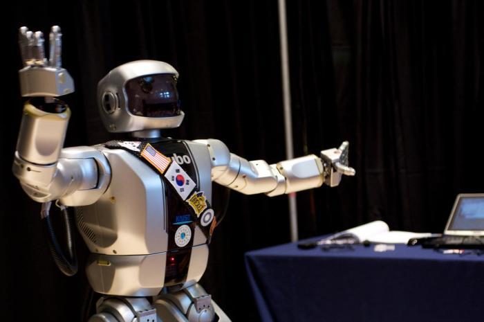 человекоподобные роботы картинки красота молодой