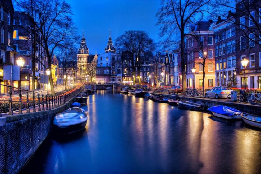 amsterdam-1150319_1920_1.jpg