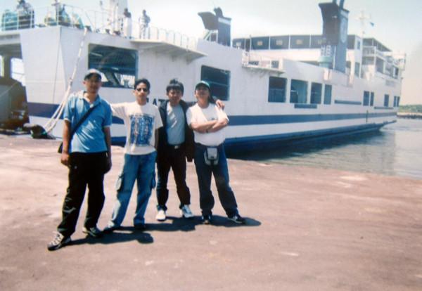 Dari Belawan mau naik kapal