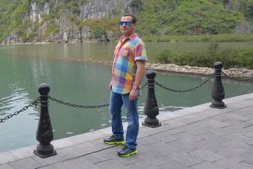 Резултат с изображение за Дмитрий Медведев кроссовки Вьетнам