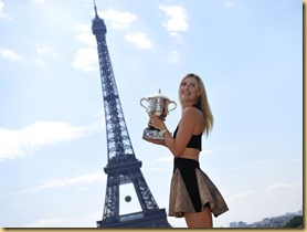 TENNIS - INTERNATIONAUX DE FRANCE - ROLAND GARROS 2014 - PARIS (FRA) - ESPLANADE DU TROCADERO - SEANCE PHOTOS SHARAPOVA MARIA (RUS) - PHOTO : CORINNE DUBREUIL / FFT