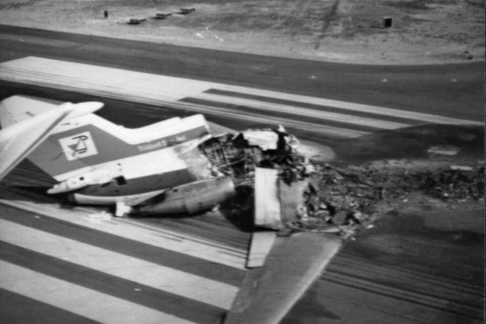 Разрушенный самолет Cyprus Airways в 1974 году. Архивное фото с сайта Airliners.Net