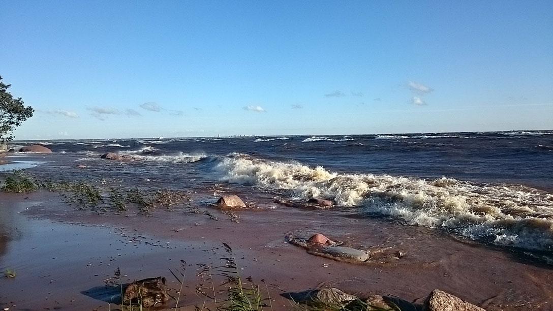 1397108 original Залив возомнил себя морем и разбушевался 18