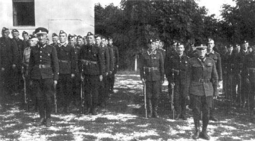 Русская белоэмиграция Смотр 5-й сотни 4-го полка Русской Охранной Группы (Русский Корпус), Белград, август 1942 года.