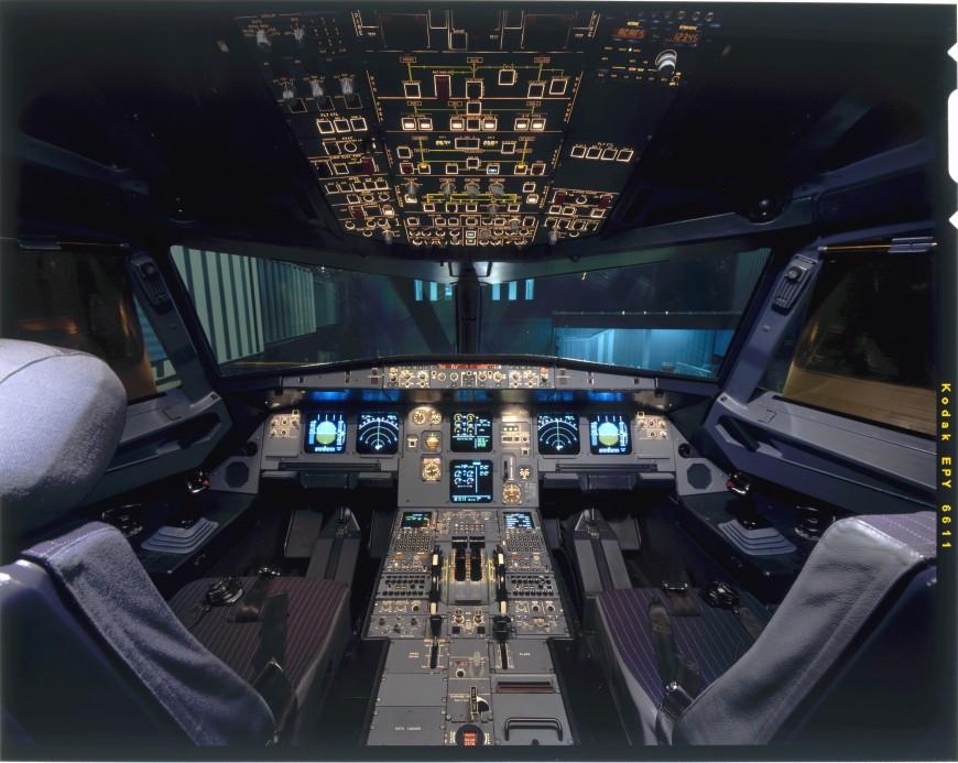 19-cockpit-avion-airbusA320-870x693