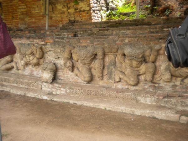 3garuda sculptures on the base