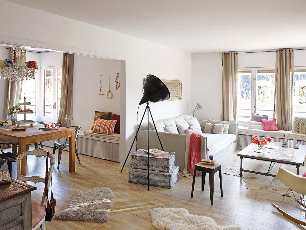 Charming Vintage Apartment In Barcelona