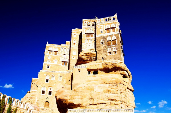 Dar_al-Hajar_the_Rock_Palace