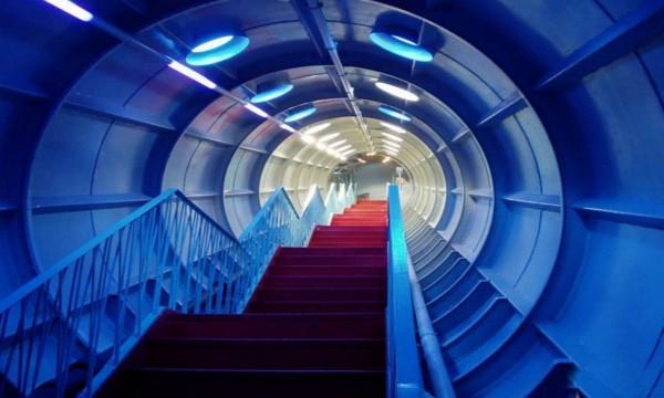 Atomium inside