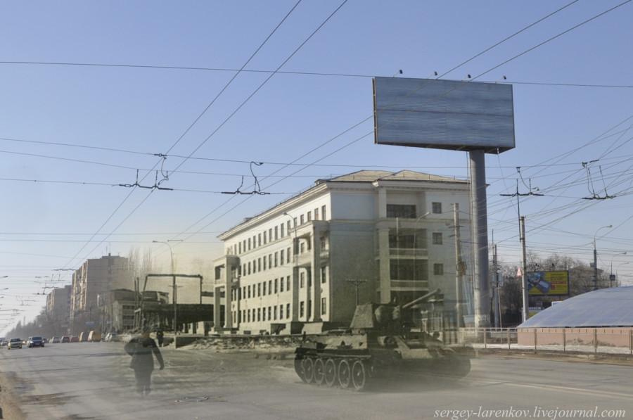 38.Сталинград 1943-Волгоград 2013 Танк Т-34 у Сталинградского тракторного завода напротив школы