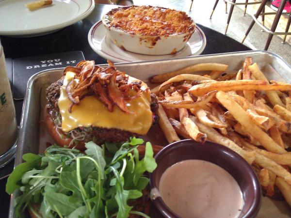 VincettaGaragage_Burger
