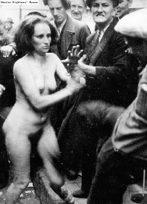 женщина и погромщики