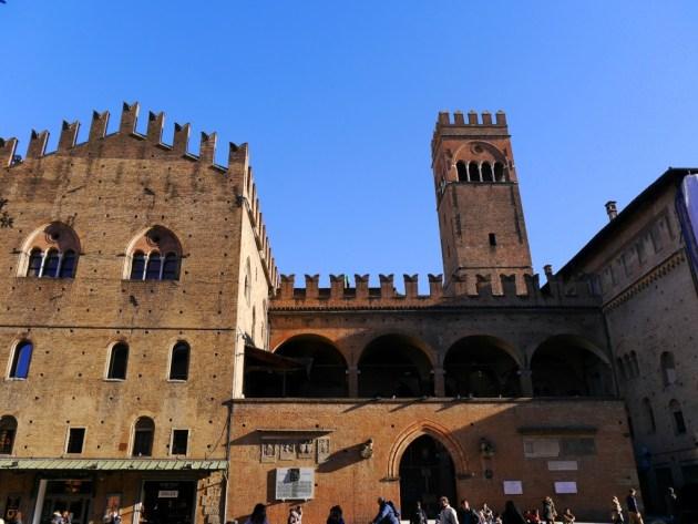 Палаццо ди Ре Энцо в Болоньи