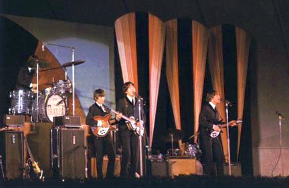 beatles 1964 hollywood bowl 00b