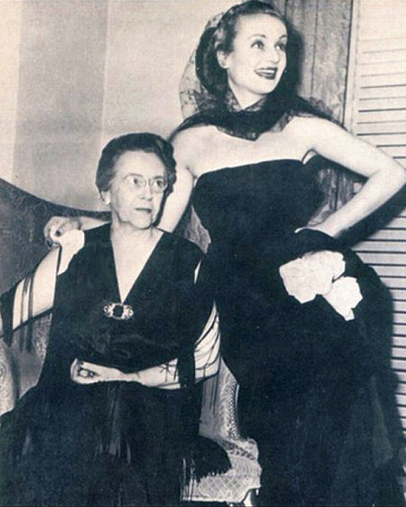 carole lombard 011542 with mother last picture larger