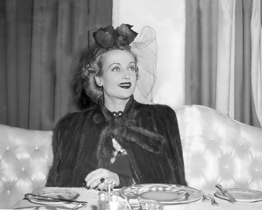 carole lombard 011442f chicago dining