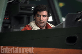 Oscar Isaac co-stars as Poe Dameron in STAR WARS: THE LAST JEDI.