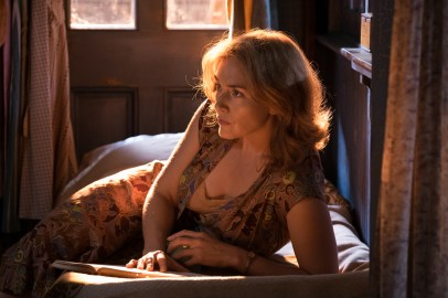 Kate Winslet stars in WONDER WHEEL.