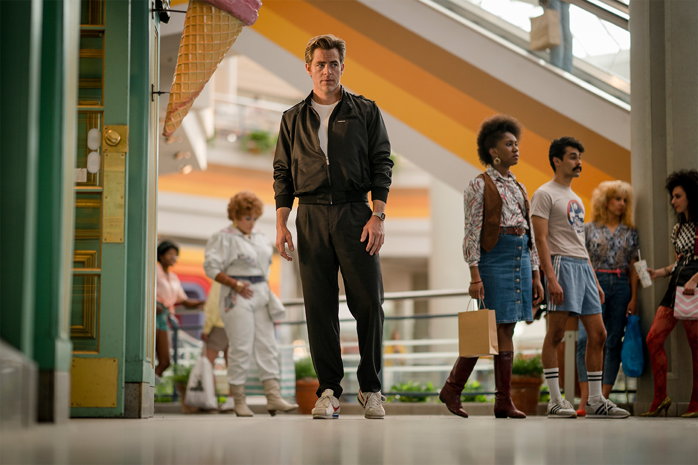 Chris Pine stars as Steve Trevor in WONDER WOMAN 1984.