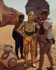 Anthony Daniels (C-3PO) is attended to on-set during STAR WARS: THE RISE OF SKYWALKER (2019)