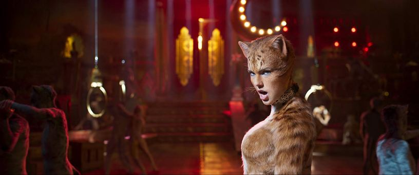 Tayylor Swift plays Bombalurina in the film adaptation of the musical CATS (2019)
